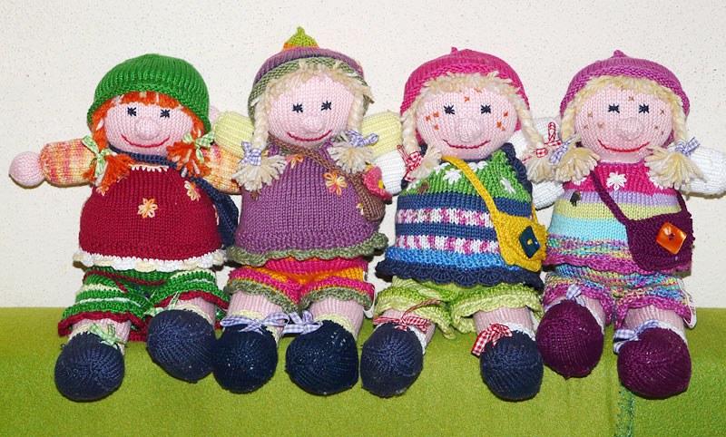 Selbstgestrickte Puppen Von Birgit N