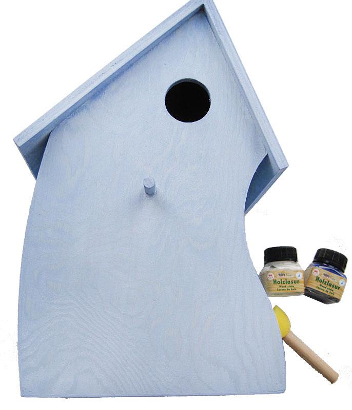 Winterliches Vogelhaus mit Eulen in Prägetechnik Schritt 1
