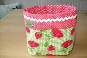 n hideen mit erdbeeren von elisabeth l. Black Bedroom Furniture Sets. Home Design Ideas