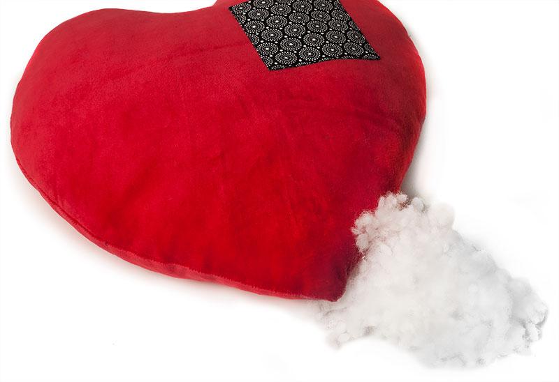 Valentinsüberraschung: Buchstabenkissen und Herzkissen nähen