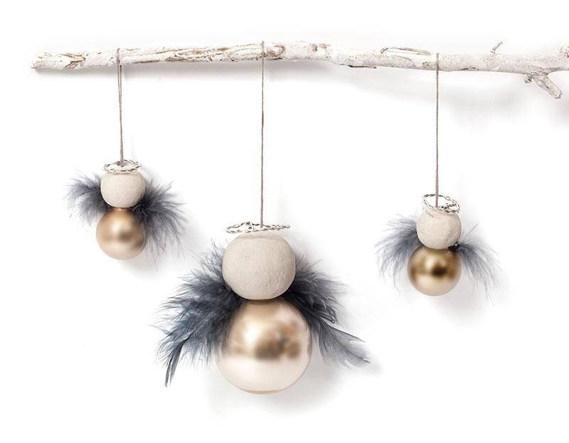 Anleitung engel aus weihnachtskugeln basteln for Weihnachtskugeln glas grau