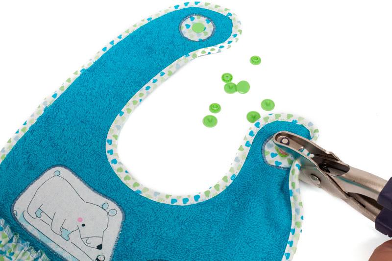Nähanleitung: Süße Babylätzchen mit Rüschen