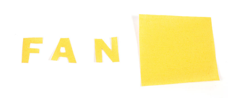 Stadionkissen nähen - Schriftzug ausschneiden