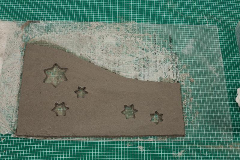 Windlicht aus Knetbeton - Sterne ausschneiden