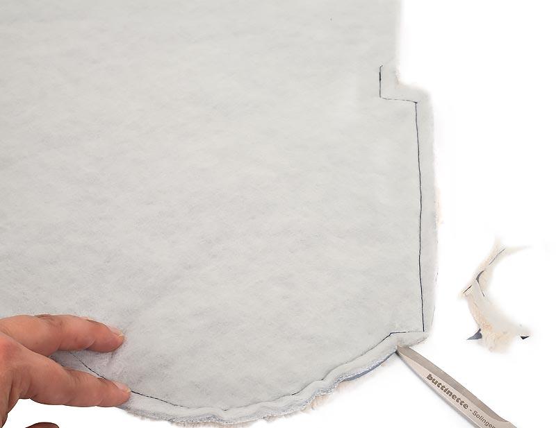 Kinderwagen-Handschuh nähen - Nahtzugaben zurückschneiden