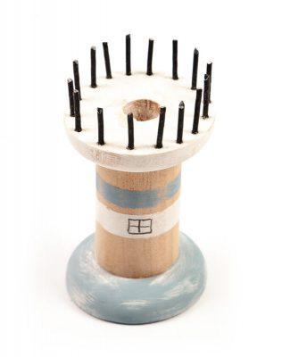 Leuchttürme aus Holzspulen basteln - Schritt 6
