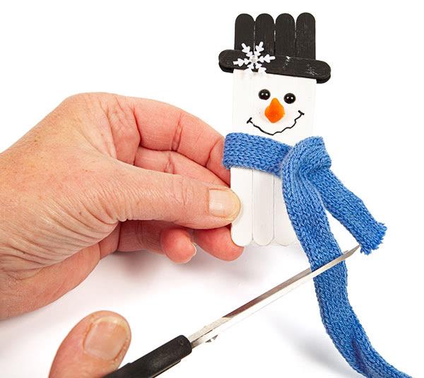 Schneemänner und Schneeflocken basteln - Schritt 10