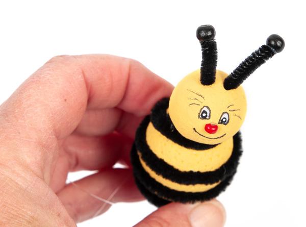 Bienen und Marienkäfer basteln - Schritt 18