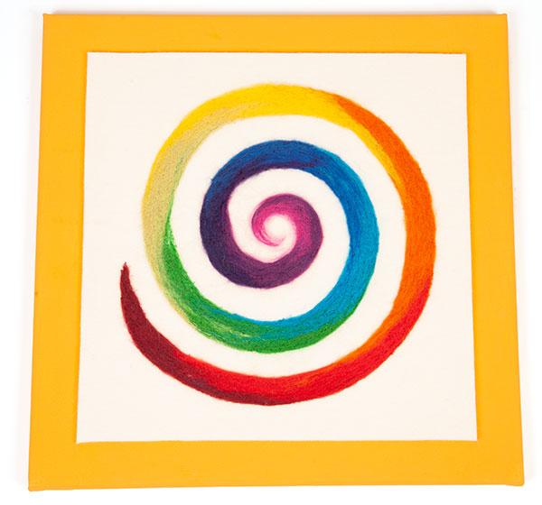 Regenbogenspirale auf Keilrahmen basteln - Schritt 11