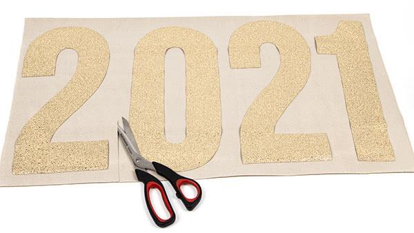 Jahreszahl-Girlande nähen - Schritt 2