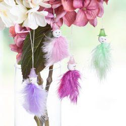 Feder-Blüten-Hänger basteln