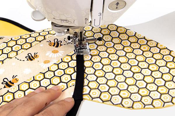 "Tischset ""Biene"" nähen - Schritt 13"